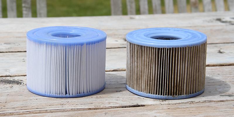 2 filtres S1 Intex, un sale et un propre